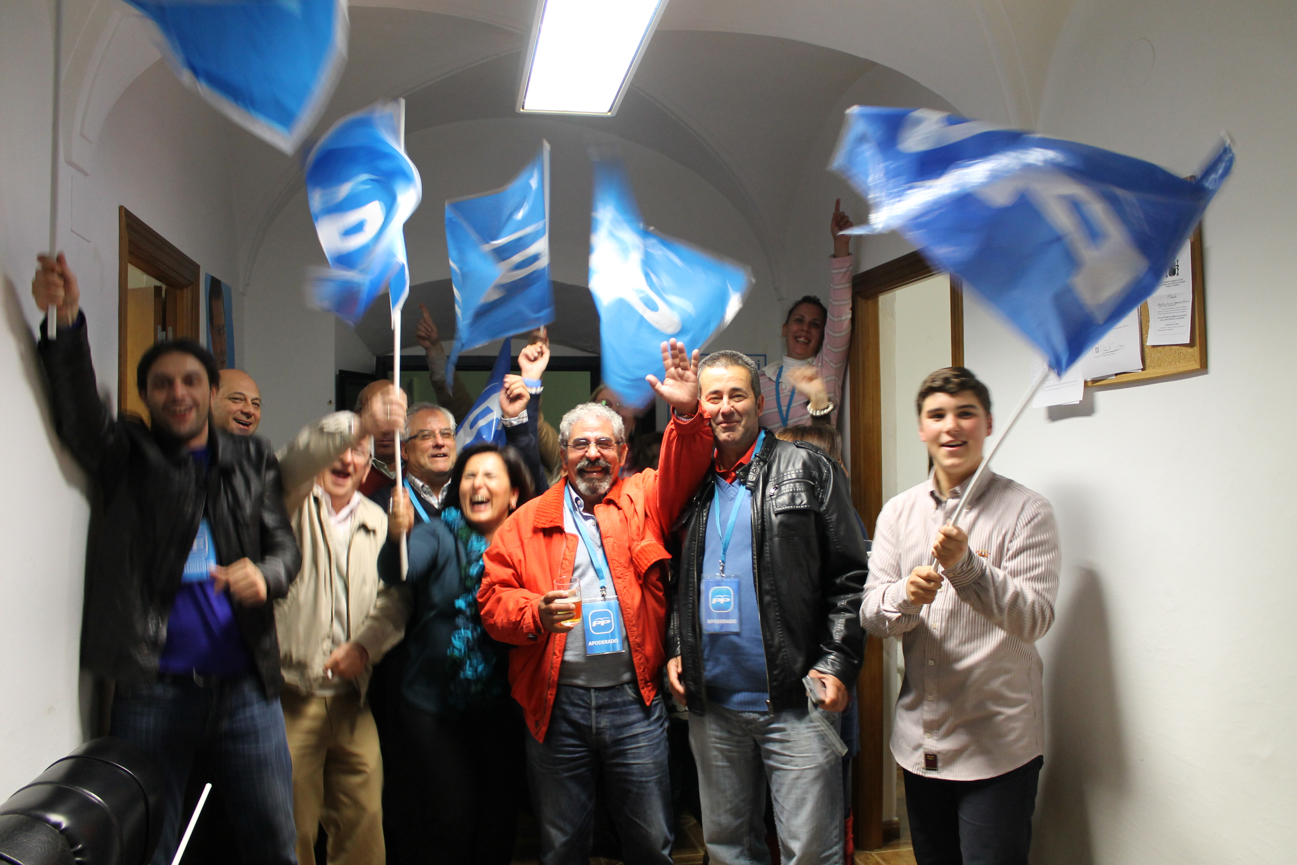 En Jerez de los Caballeros el PP celebró en su sede su triunfo histórico en estas elecciones generales
