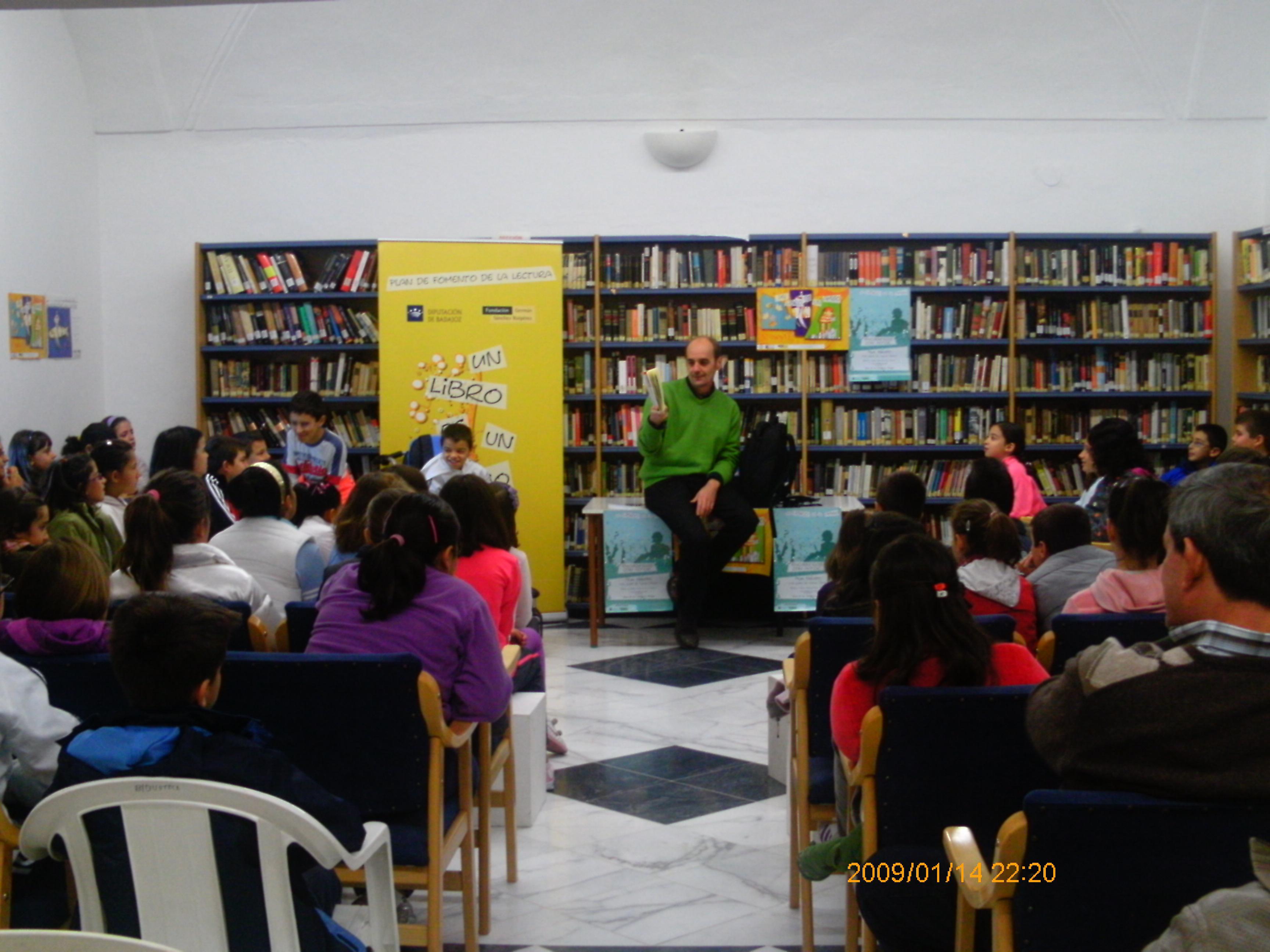 la Bibilioteca Pública acoge un encuentro con el escritor Pepe Maestro